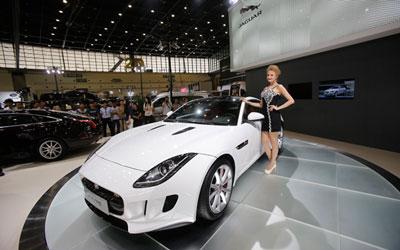 捷豹F-TYPE硬顶跑车 惊世登场中原国际车展