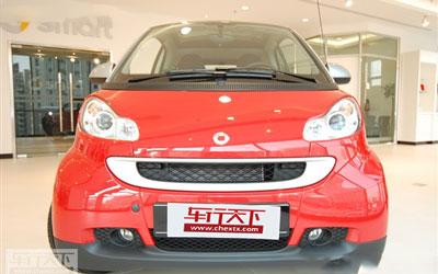 试驾奔驰Smart:车身灵活让人印象深刻