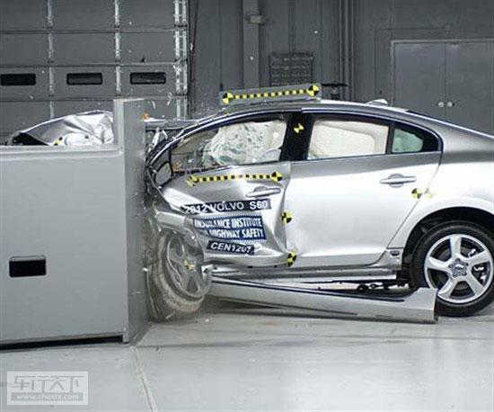 美国IIHS碰撞测试 沃尔沃S60获得最高安全高清图片