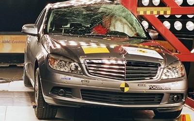 E-NCAP碰撞成绩 2009款奔驰C200获五星