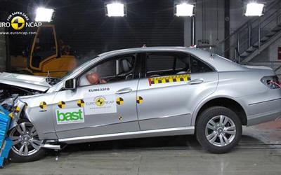 E-NCAP碰撞成绩 奔驰E220获得五星安全