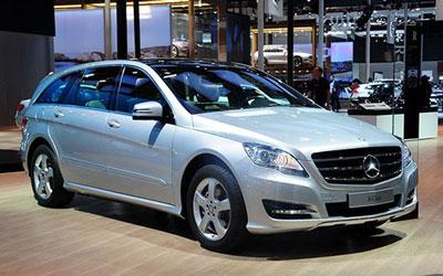增两款新车型 奔驰R320/400售59.8万起