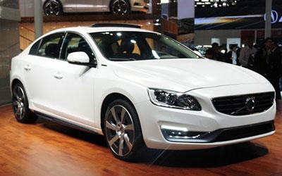 2015年国产上市 S60L插电式混动车型