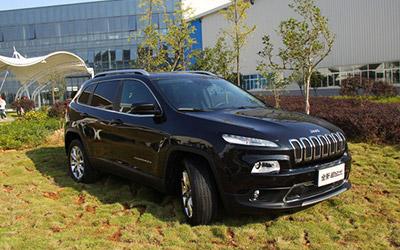 曝国产jeep自由光2.0l实车