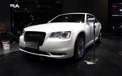 克莱斯勒新款300C正式上市 售价39.99万起