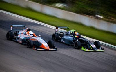 FIA F4&CFGP成都站老对手再相遇 郑晚成梅开二度