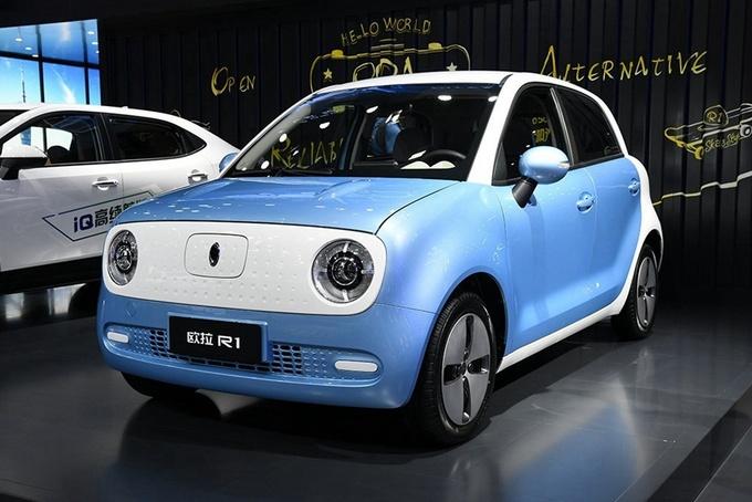 法式浪漫VS中国制造,纯电动小车哪家强?