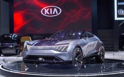 深耕中国市场 引领品牌全球转型 起亚汽车初登进博会秀未来之光_图片新闻
